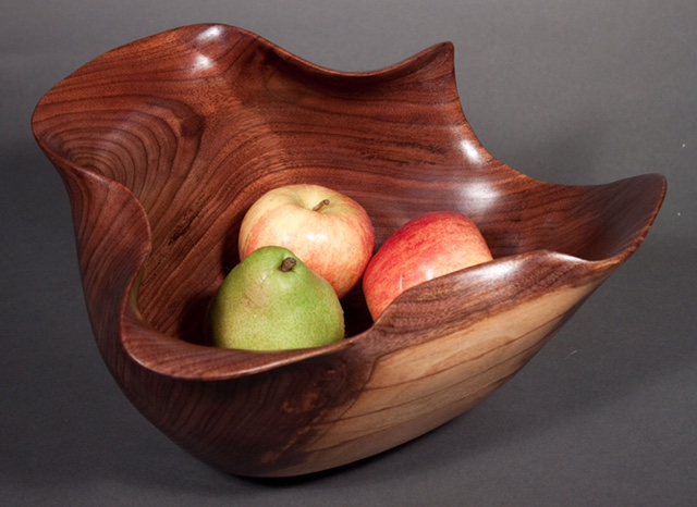 Scott Deming, Walnut Bowl, Woodstock-New Paltz Art & Crafts Fair