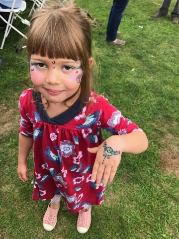 face painting henna Woodstock-New Paltz Art & Crafts Fair children