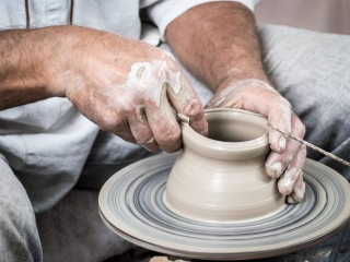Pottery wheel, demonstration, Woodstock-New Platz Art & Crafts Fair