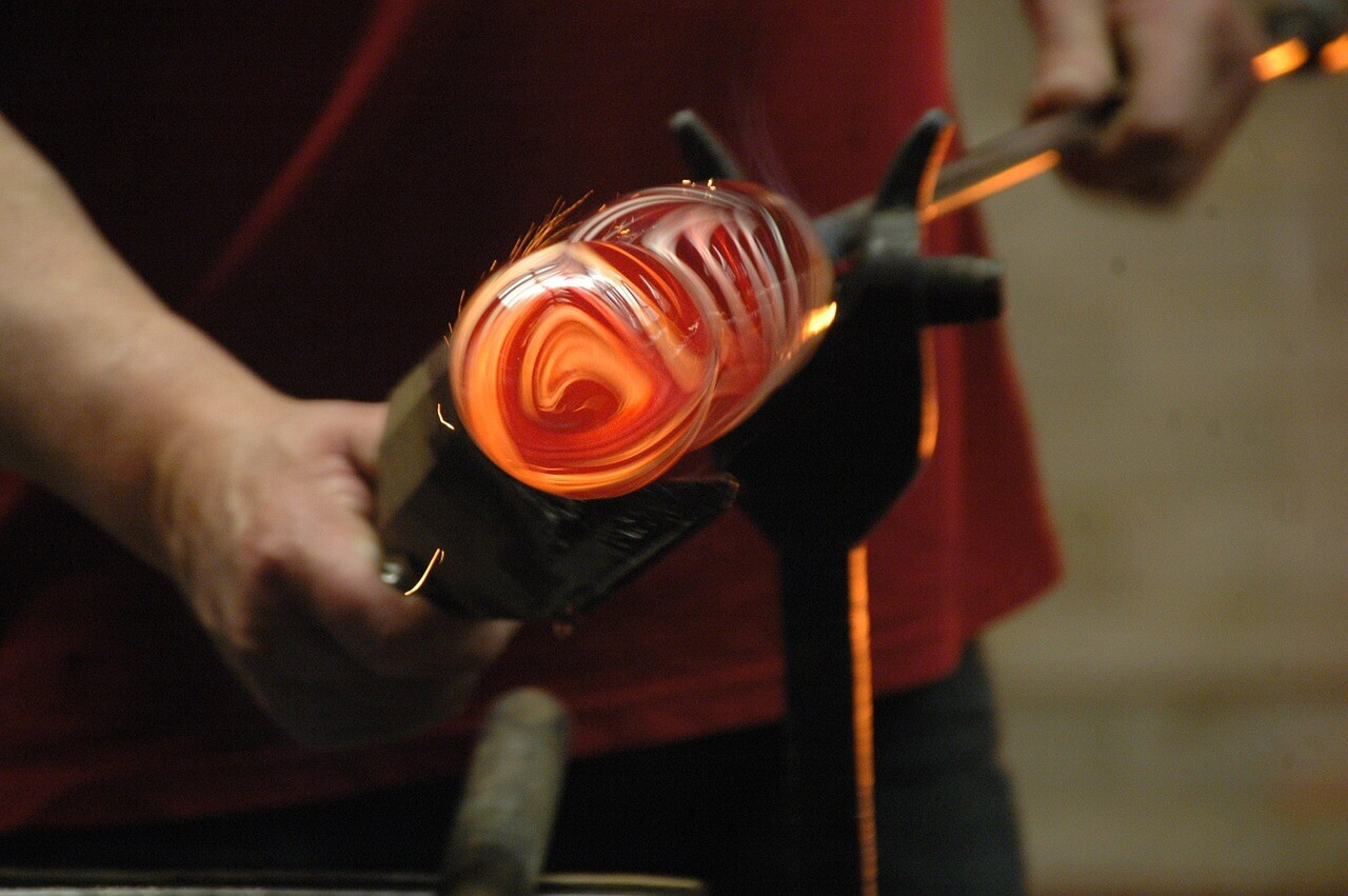 Glass torch work demonstration, Woodstock-New Platz Art & Crafts Fair
