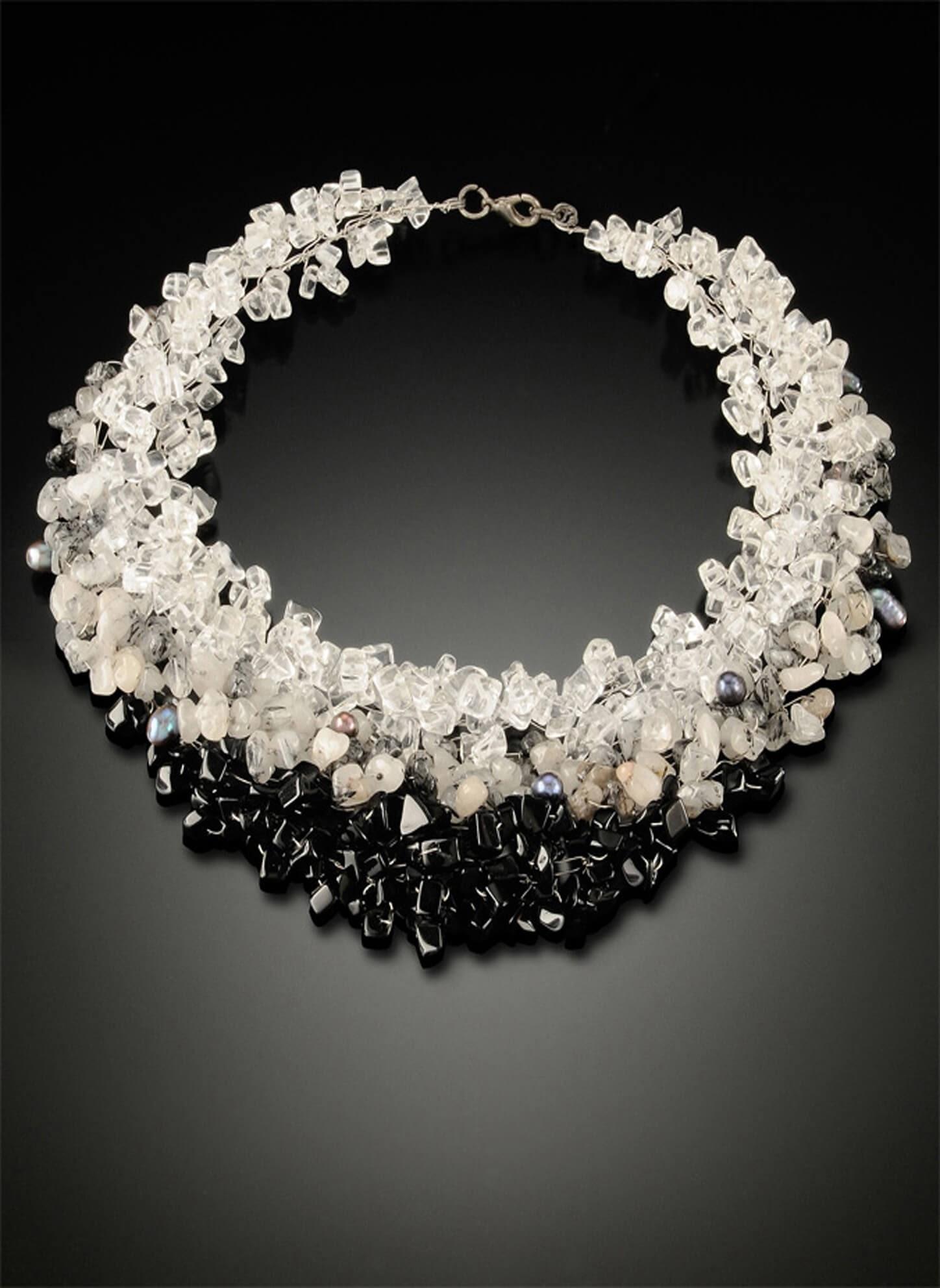 Lakkana Conti, Sarapaan, Jewelry