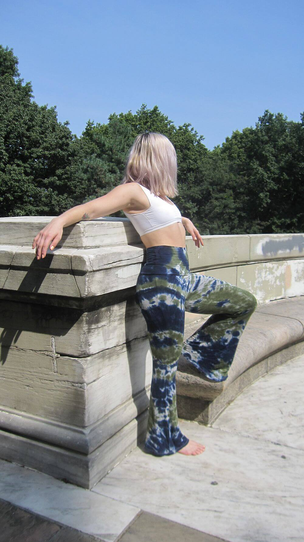 Designs by Agi, Agi Anderson, tie dye yoga pants.