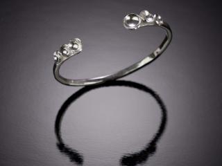 Celeste Friend Designs, handcrafted jewelry, handcrafted bracelet, diamonds, metal jewelry, simple, classic jewelry