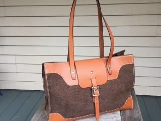 Gabor Ruzsan, GARNY & Co: Buffalo Bag, handmade leather tote