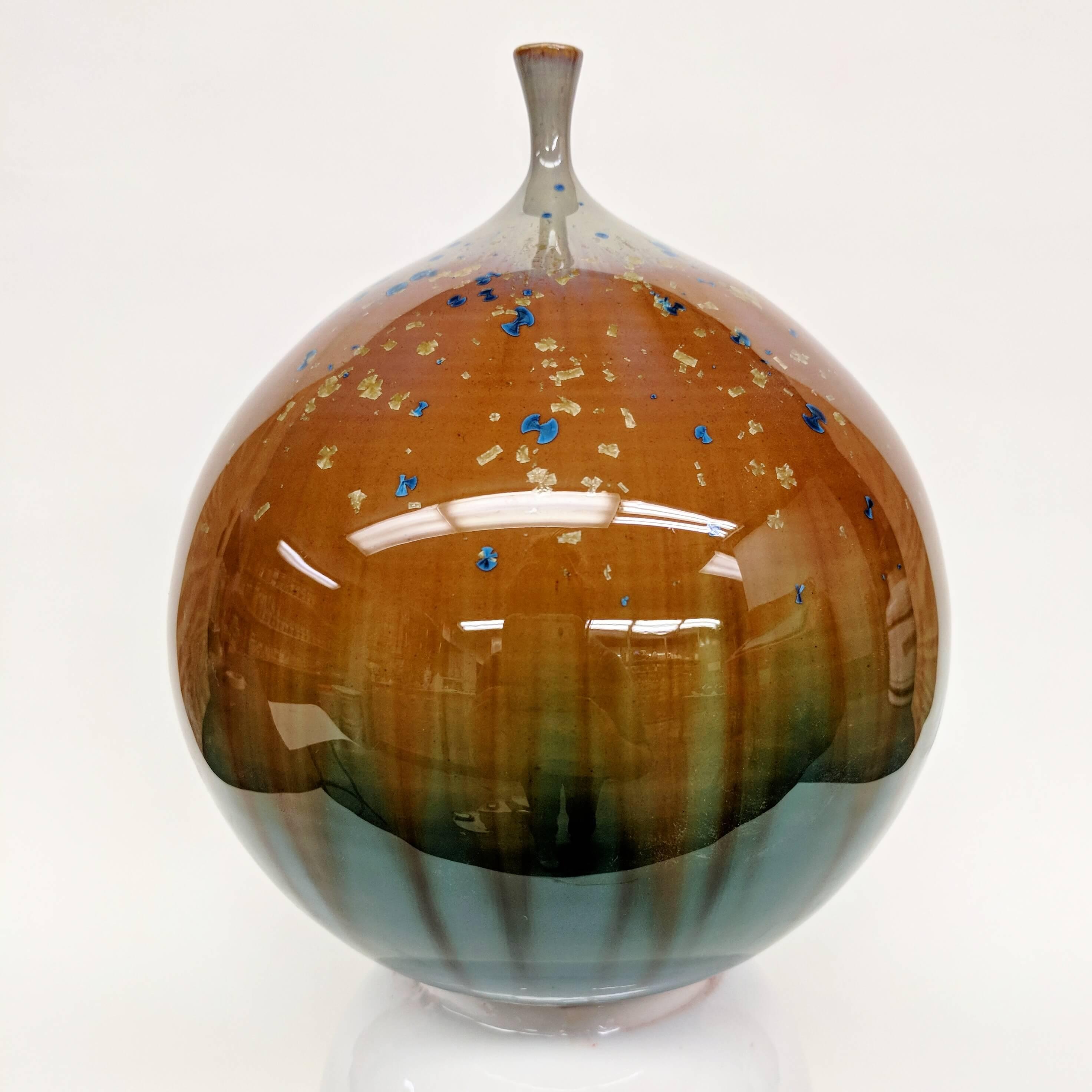 Round Trip Clayworks by Erika Novak, handmade ceramics, hand thrown ceramics, handmade pottery, potter wheel