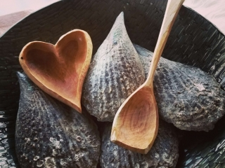 Stonehouse Kuksa by Eric Doherty: Heart Bowl and Serving Spoon, handmade spoons, hand carved spoons, woodcarving,
